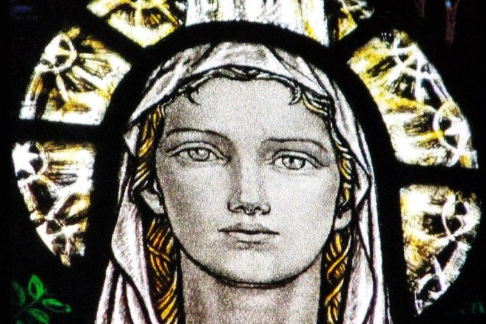 Face of Mary, Oxton